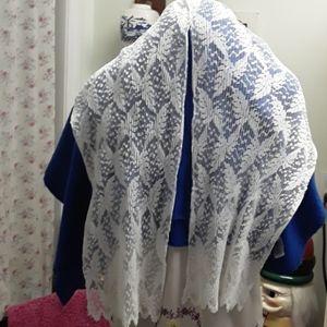 Oscar de la renta accordion style scarf